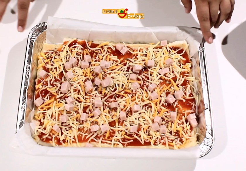 Pizza con base de pan de molde