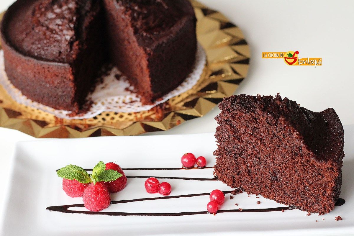 Bizcocho básico de chocolate