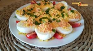 Huevos cocidos rellenos con solo 2 ingredientes