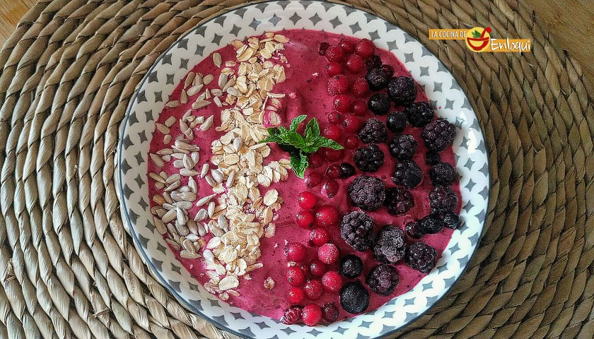Smoothie bowl de frutos rojos
