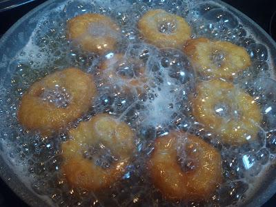 Roscos tradicionales de la abuela. Roscos fritos