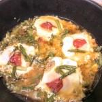 Huevos cuajados con espárragos y chorizo
