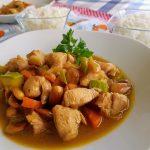 Pollo con almendras estilo chino