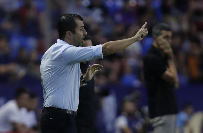 El Osasuna aprieta por Diego Martínez