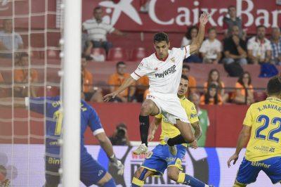 El empuje y la fortuna lanzan al Sevilla