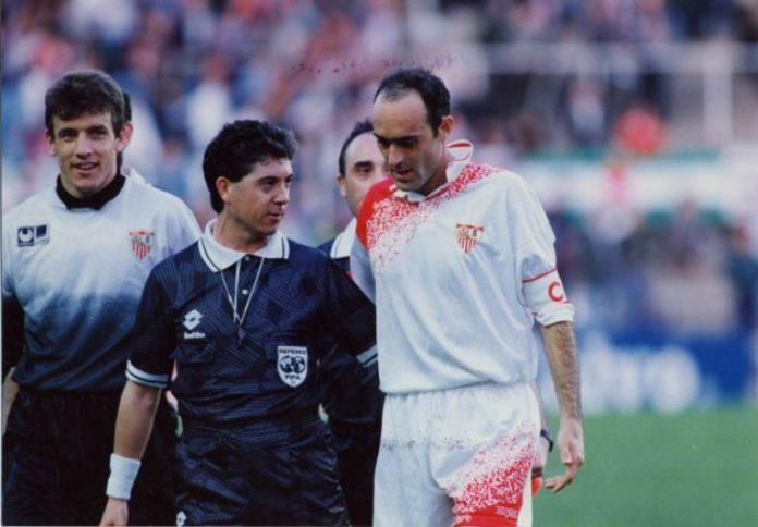 Rafa Paz, durante un partido con el Sevilla FC
