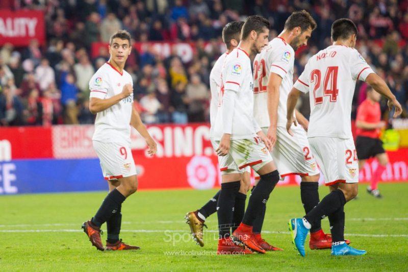 El Sevilla logra una victoria plácida ante el Deportivo