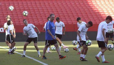 Caparrós inaugura el programa SFC Football Master Class