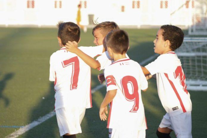 El Sevilla confirma los técnicos de los más pequeños de la cantera nervionense