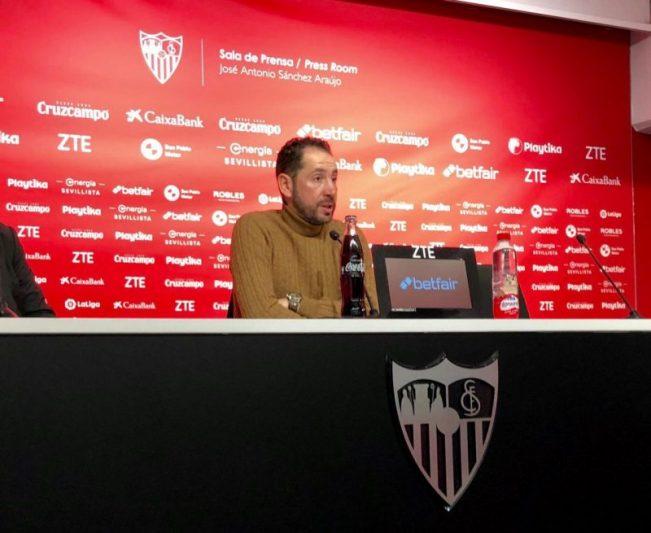 Machín elogió a la afición, analizó cómo dieron la vuelta al encuentro y valoró los nombres propios del Sevilla