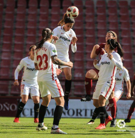 El Sevilla vence en Logroño y consigue dejar atrás el descenso