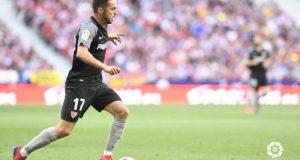 Pablo Sarabia conduce el balón frente al Atlético de Madrid    Imagen: LaLiga