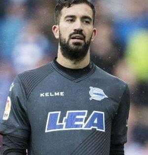 Fernando Pacheco, durante un partido con el Alavés | Imagen: Agencias