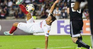 Óliver Torres, en el remate a puerta de chilena que supuso su gol del Sevilla FC al Qarabag   Imagen: Sevilla FC