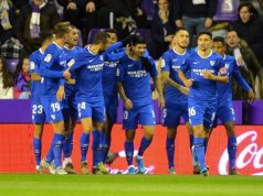 Banega celebra con sus compañeros el gol en Valladolid. | Fuente: LaLiga