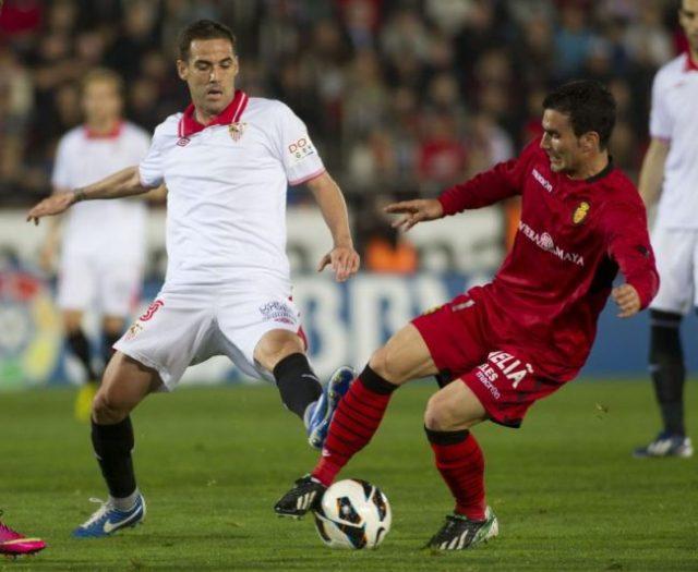 Fernando Navarro jugando frente al Mallorca en 2013