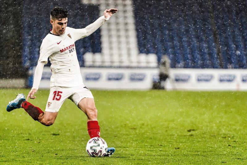 Alejandro Pozo, durante un partido del Sevilla | Imagen: @Alex_Pozo9