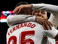 Fernando y Ocampos, celebran el tanto del brasileño con el Sevilla FC ante el Levante UD | Imagen: La Colina de Nervión - Ana Marín