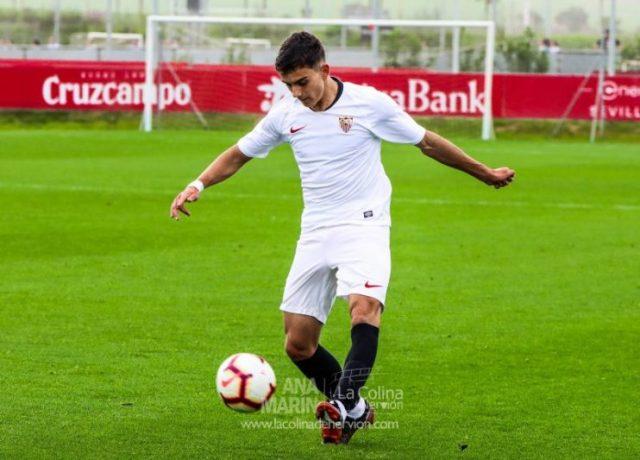 Pablo Pérez, jugador del Sevilla FC, durante un partido con el Juvenil   Imagen: La Colina de Nervión - Ana Marín