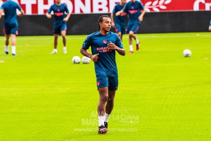 Jules Koundé, ausente en el entrenamiento del viernes