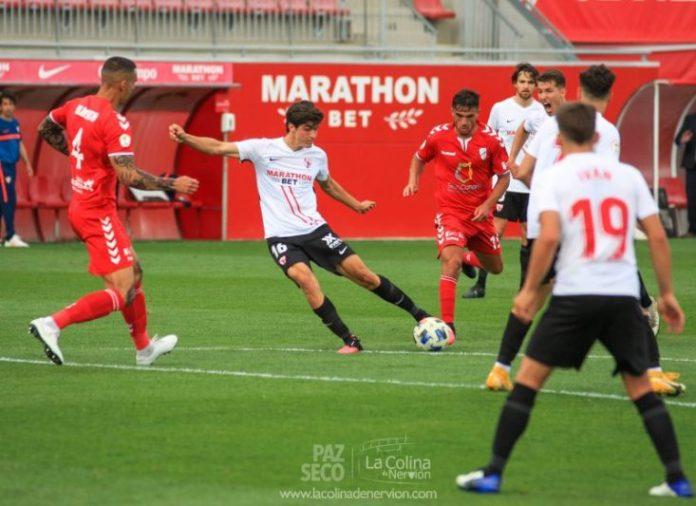 El empate del Sevilla Atlético y el Tamaraceite, en fotos