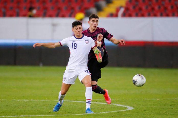 Quién es Johan Vásquez y por qué el Sevilla FC se ha fijado en él
