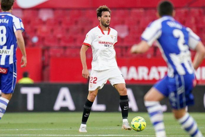 Franco Vázquez jugando con el Sevilla FC en el partido frente al Deportivo Alavés