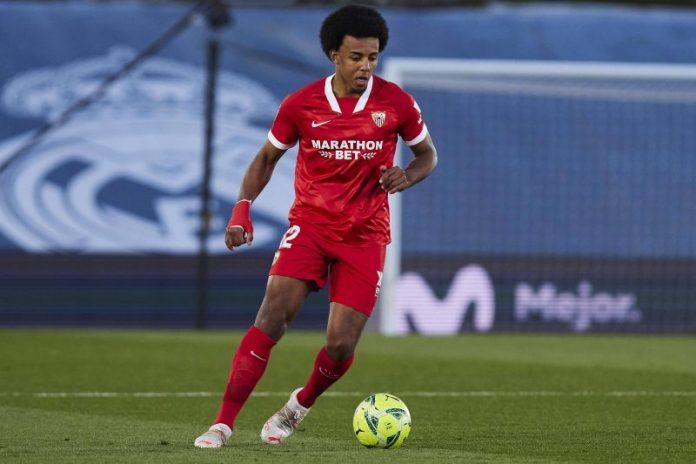 Jules Koundé jugando con el Sevilla FC, foco en el mercado de fichajes