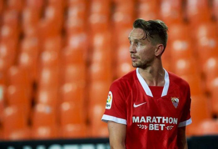 El PSV reconoce contacto permanente con Luuk De Jong