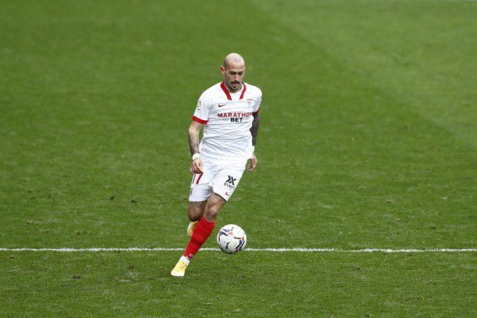 El Sevilla FC rescinde el contrato de Aleix Vidal