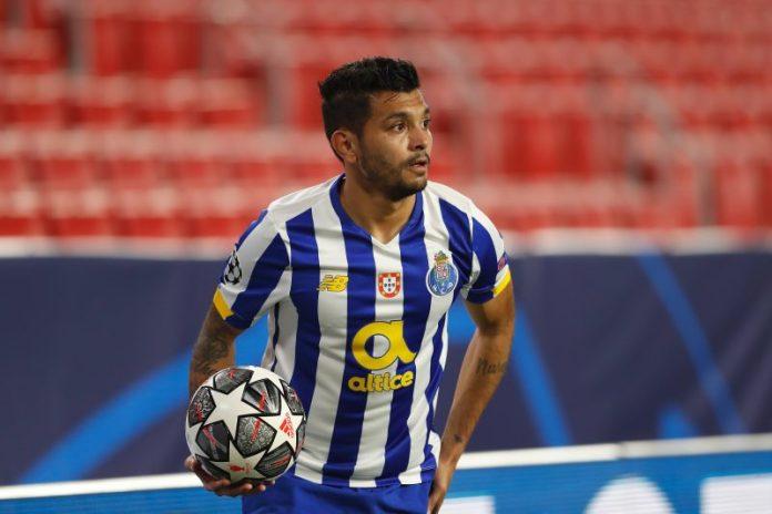 Sevilla FC y Oporto, cerca del acuerdo por 'Tecatito' Corona