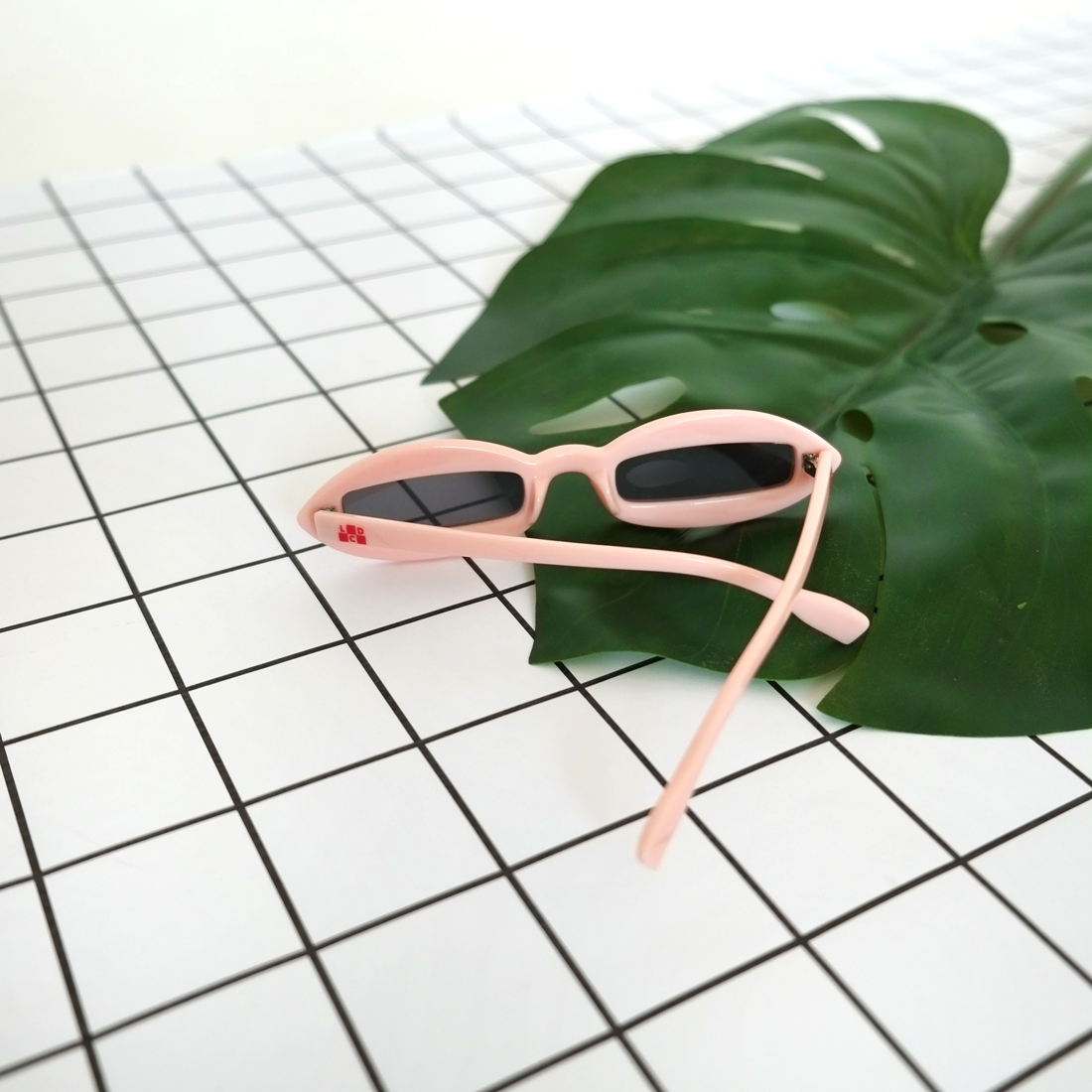 glassespink4