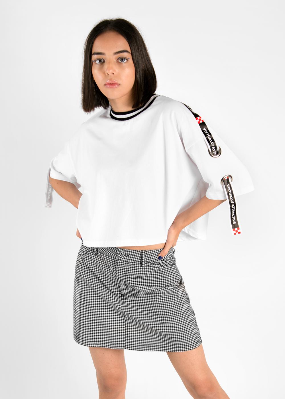 Wo_tapeTshirt