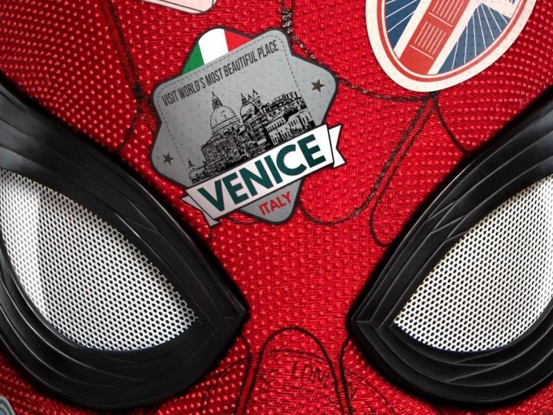 Spidey luce su traje negro en 2 nuevos posters de Spider-Man: Lejos de Casa