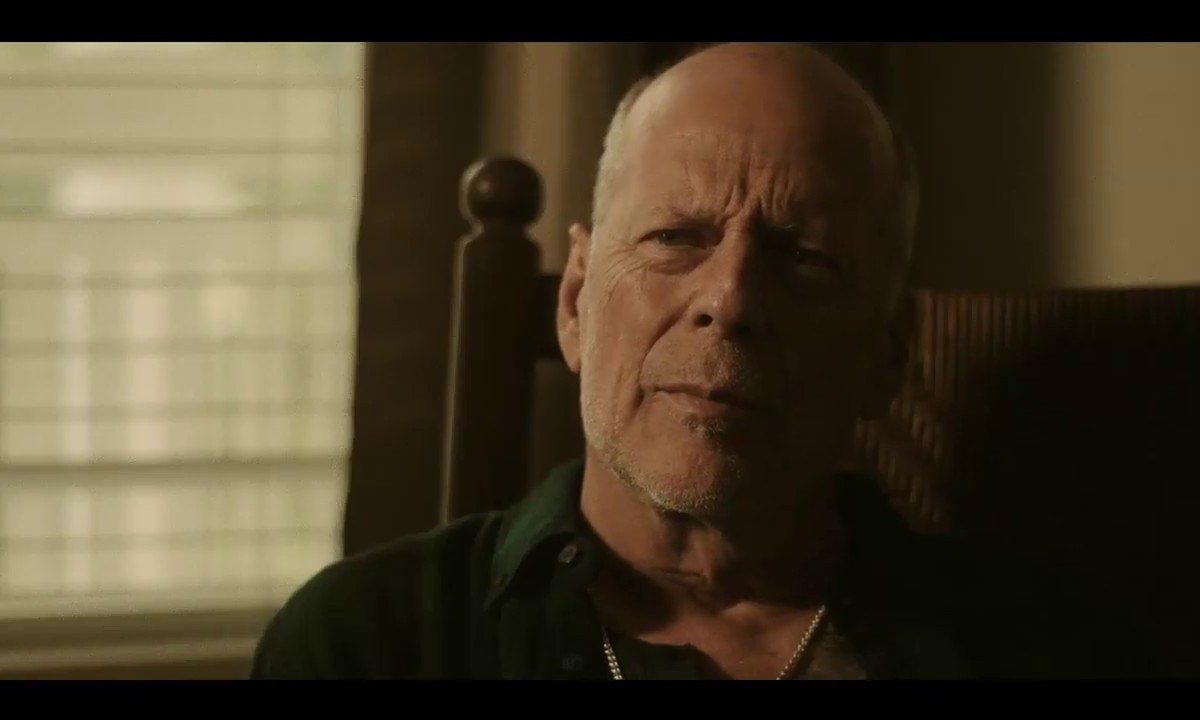 Bruce Willis protagoniza el trailer de Survive the Night
