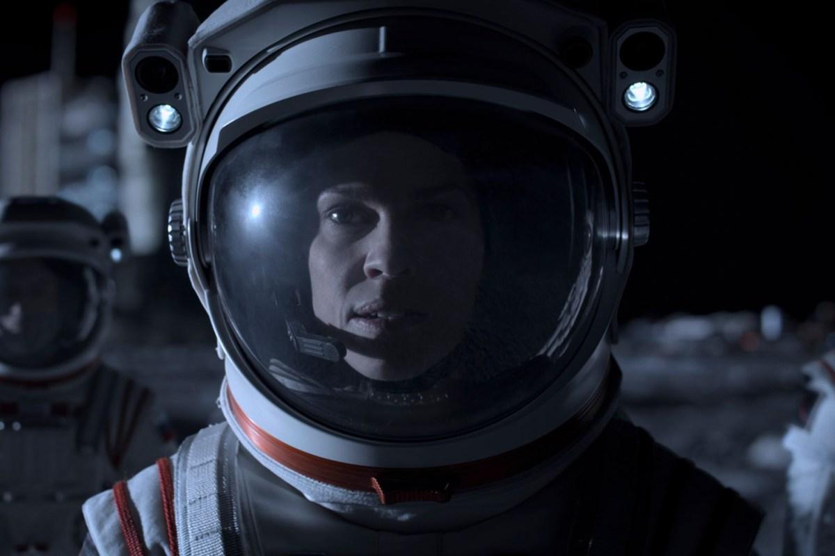 Hilary Swank protagoniza el primer adelanto de Away