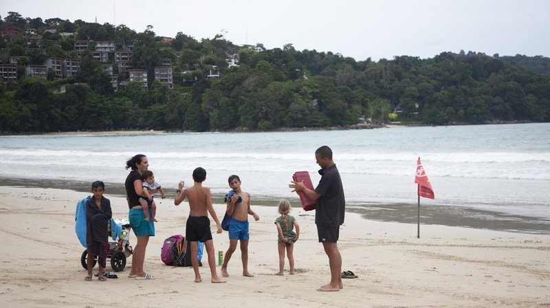 Since July 1, vaccinated travelers can travel to the island of Phuket without undergoing strict quarantine.