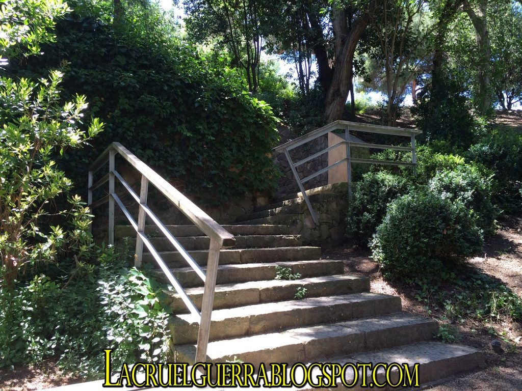 escalera esplanada polvorin a la casamata montjuic