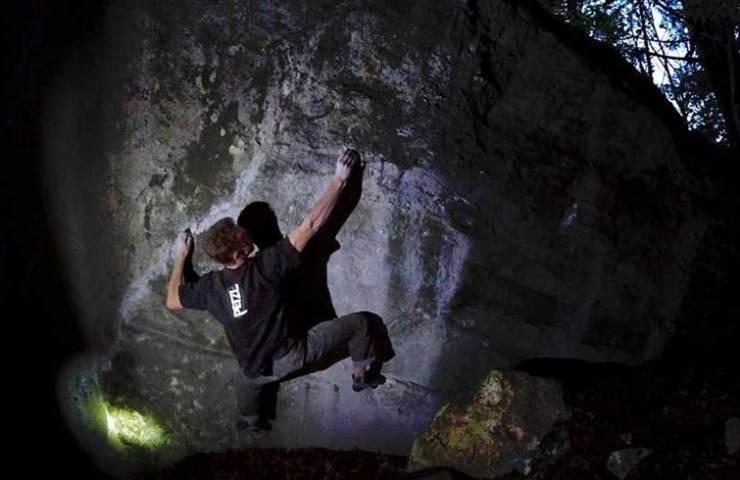Kevin Heiniger klettert Kryptos im Balsthal