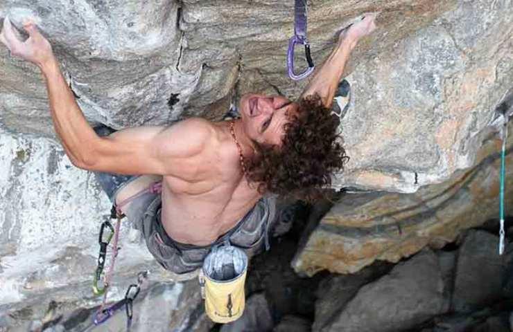 Adam Ondra klettert mit Project Hard in Flatanger (Norwegen) die schwerste Route der Welt