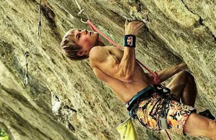 Alex Megos climbs Ravage and two 8c / + in one day