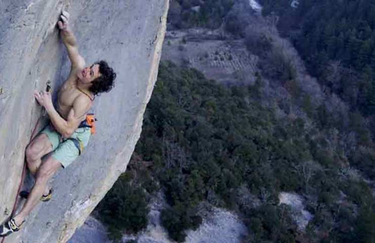 Adam Ondra writes climbing story: 9a + flash