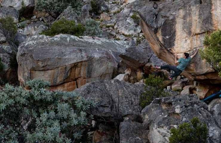Paul Robinson gelingt die Erstbegehung des 8c-Boulders The Pirate's Code