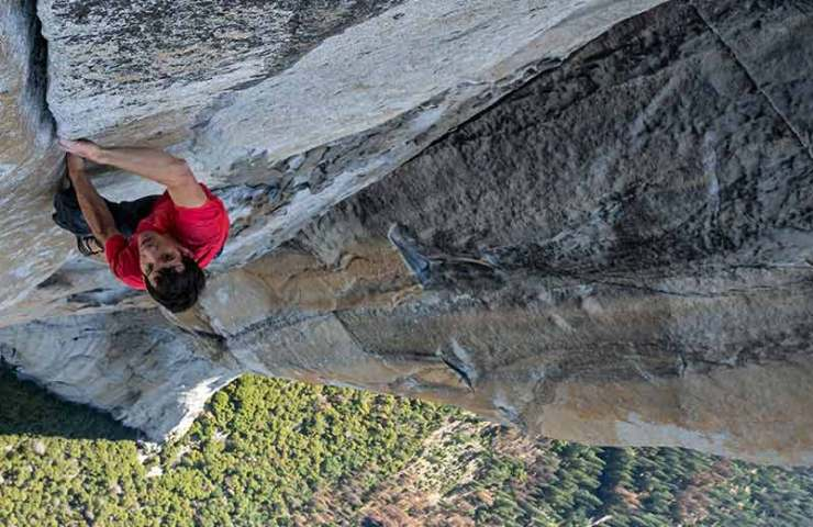 Alex Honnold free soloing Freerider am El Capitan im Yosemite Valley