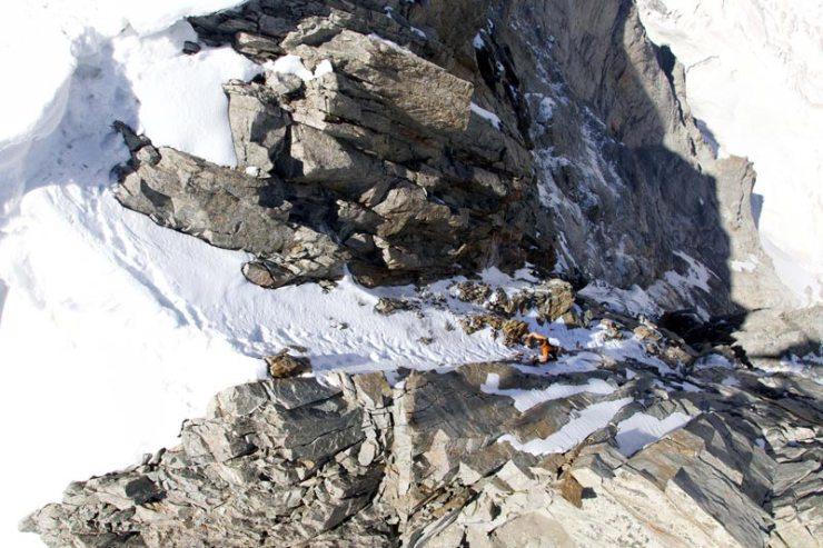 Dani-Arnold-klettert-an-der-Grandes-Jorasses