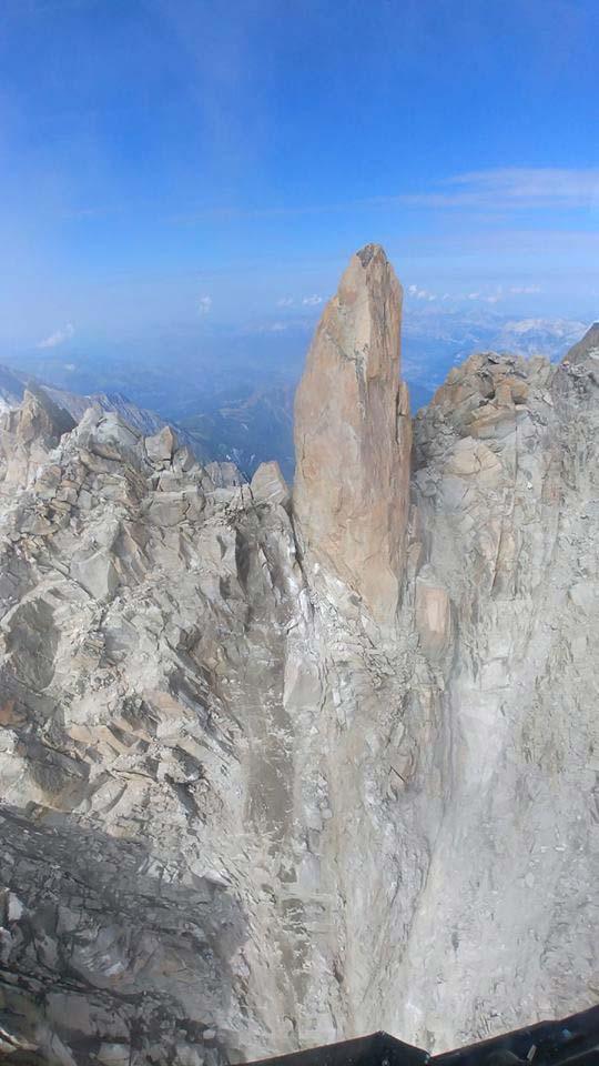 Die-Arete-des-Cosmique-am-Mont-Blanc
