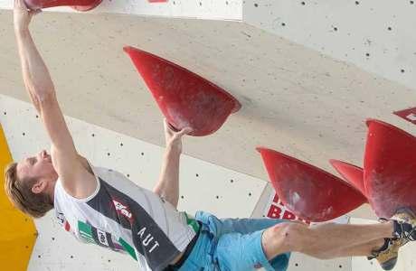 Jernej Kruder und Tomoa Narasaki gewinnen die Boulder-Qualifikation an den Weltmeisterschaften