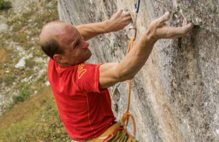Cedric Lachat repeats La Cène du Roi Lézard (9a +) in the Jansegg climbing area