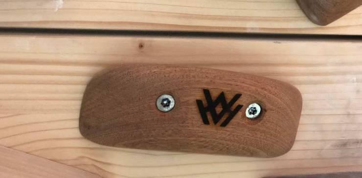 Wunderschön verarbeitet - Der Griff von Hard Wood Holds.