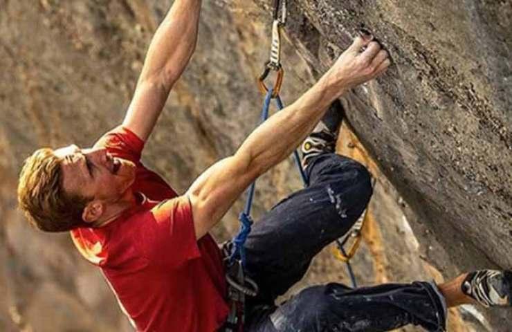 Jakob Schubert gelingt die erste Wiederholung der Sharma-Route El Bon Combat (9b/+)